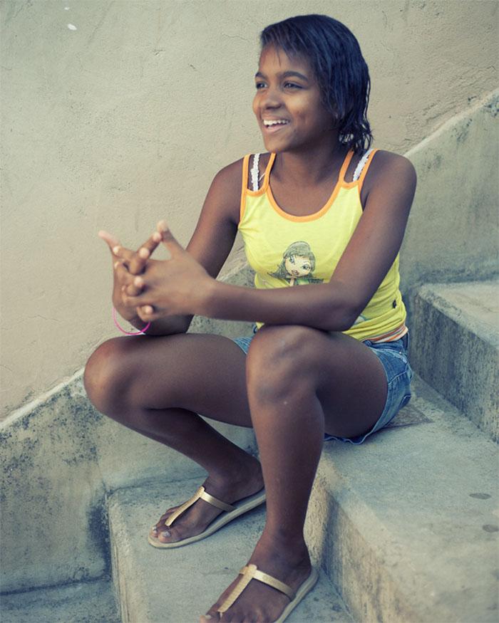 Thanya, resident of Alemão