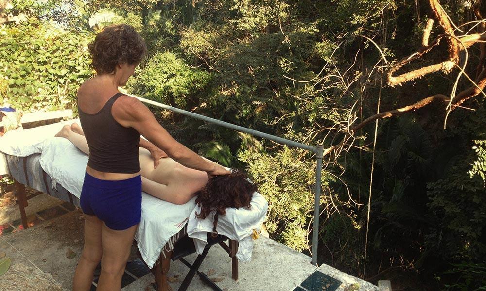 Acupressure Massage at Casa Isabel