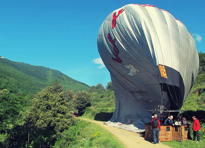 Balloon deflating