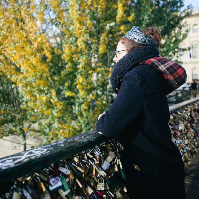 Victoria on lock bridge