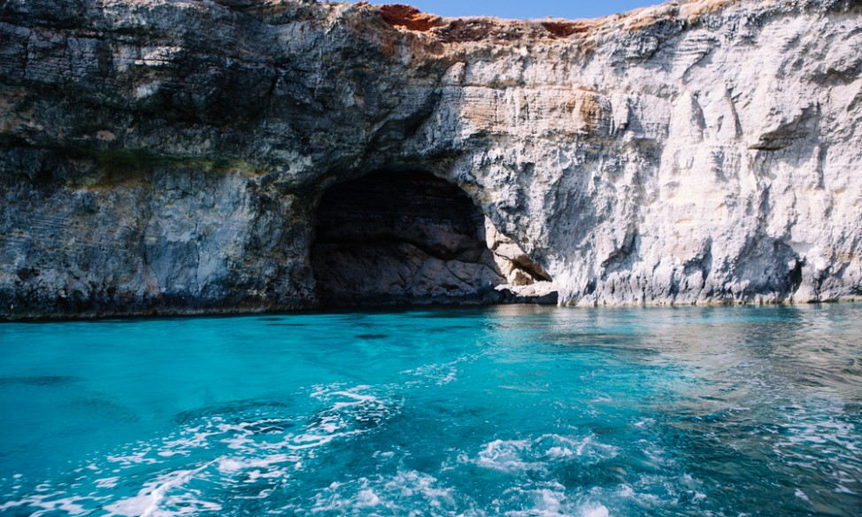 Comino cave