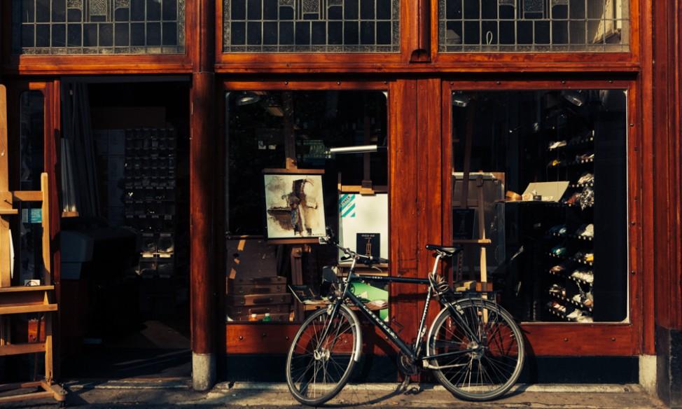 bike and shop in utrecht