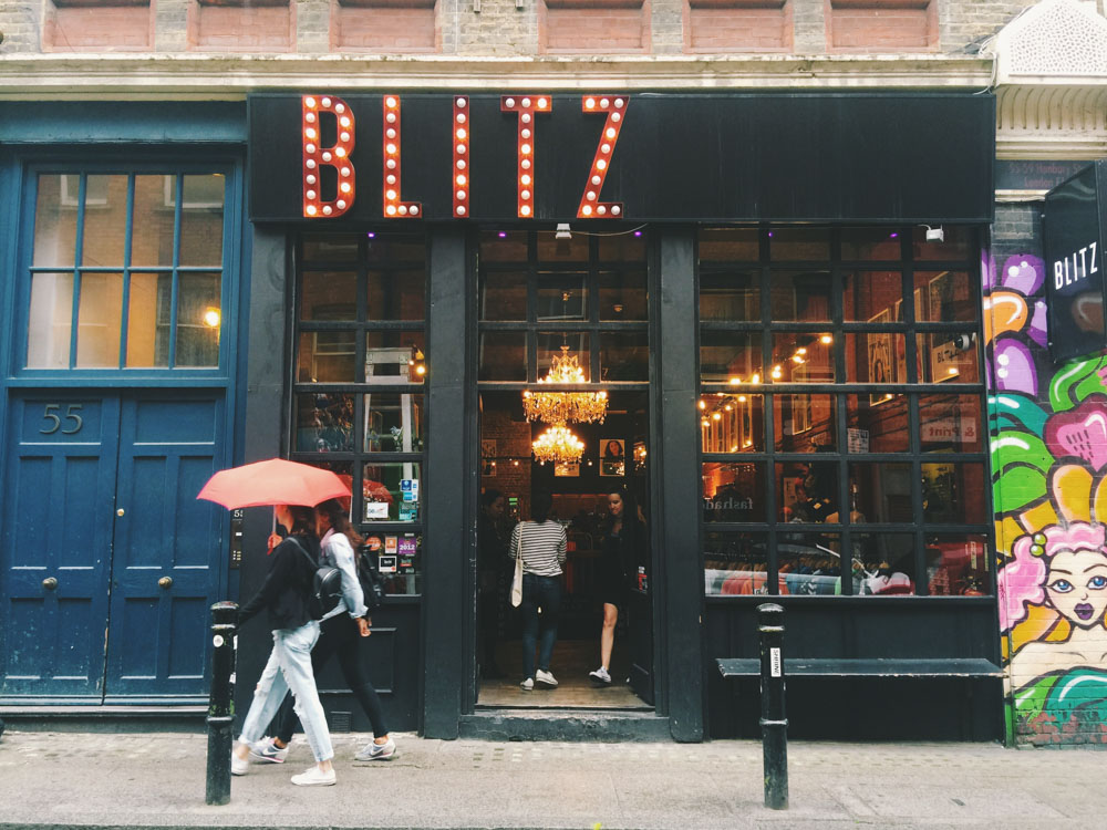 24 Hours in London as a Londoner - Blitz Vintage shop