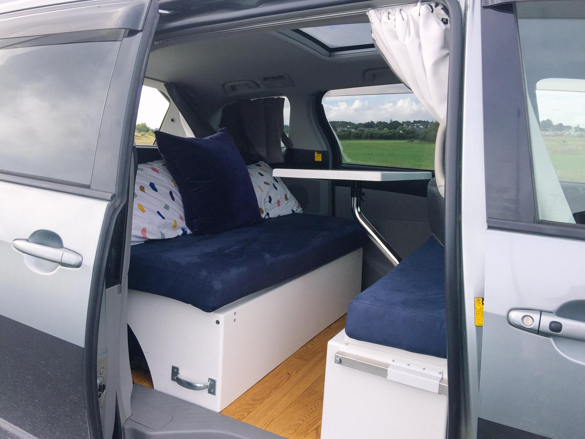 How to choose a campervan in New Zealand - Spaceships Dreamsleeper Mini