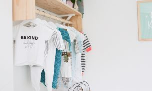 Travel themed nursery - Baby clothes rail