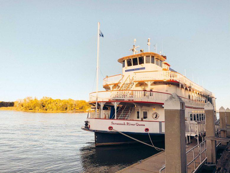 Fun things to do in Savannah - Riverboat cruise