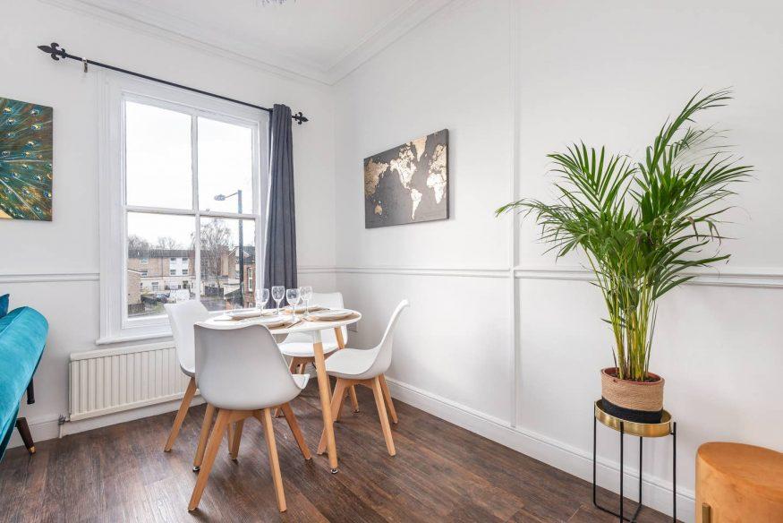 Modern romantic flat - Airbnb York