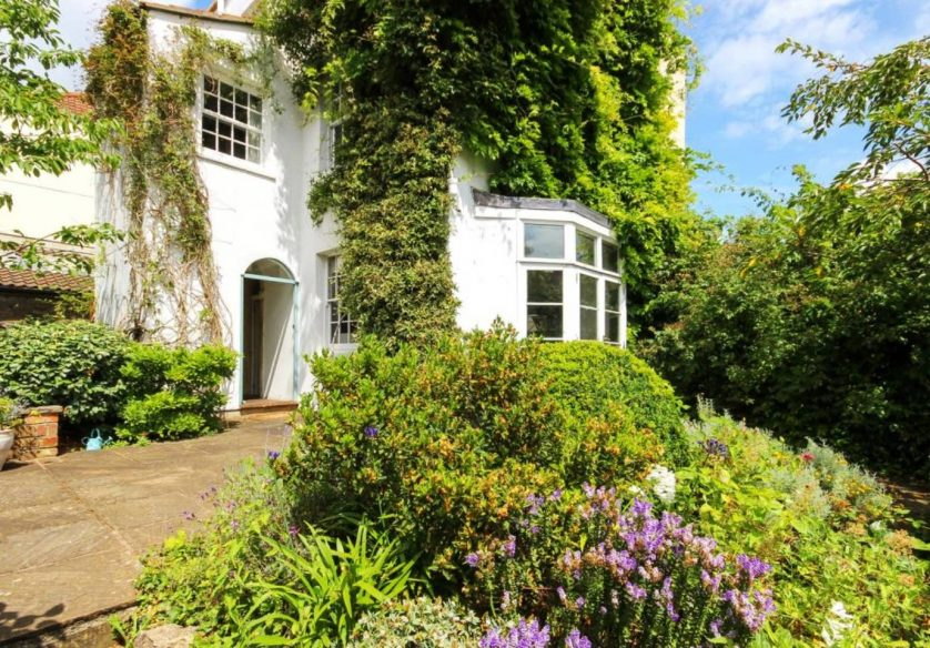 Airbnb Bristol - Country Cottage