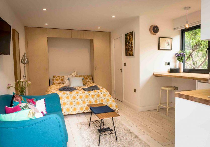 Airbnb Bristol - The Den