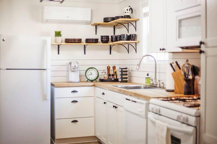 Modern Three Bedroom - Airbnb Charleston