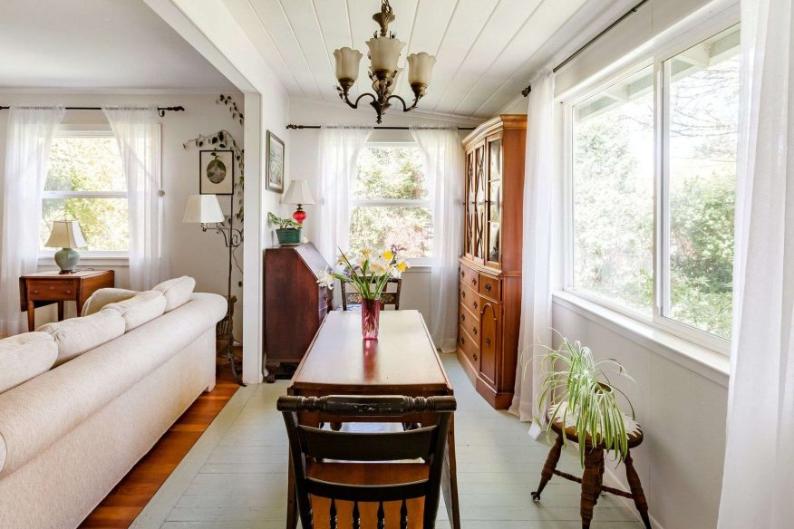Cozy Period Cottage - Airbnb Sonoma