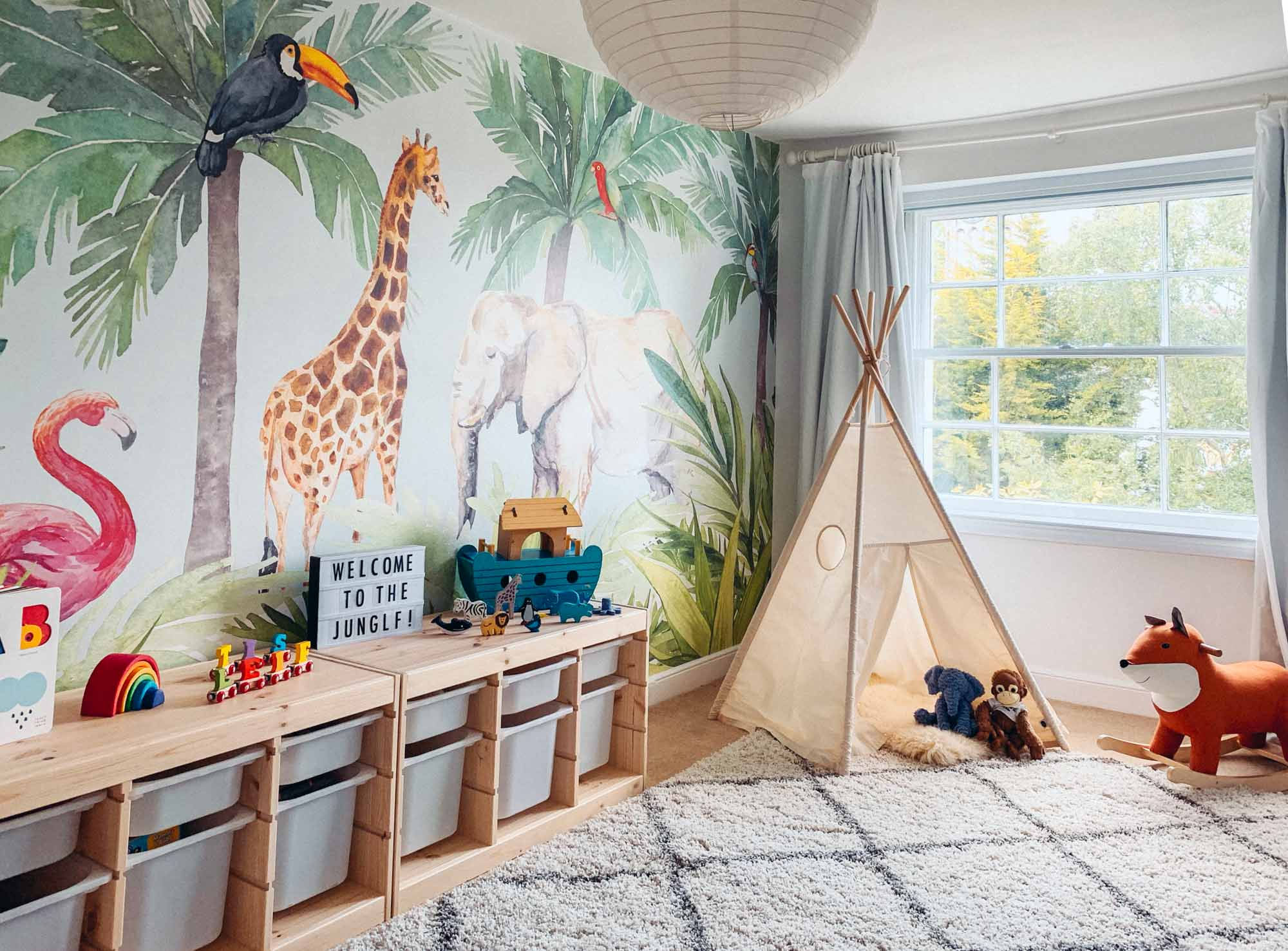 How To Create The Perfect Jungle Theme Bedroom