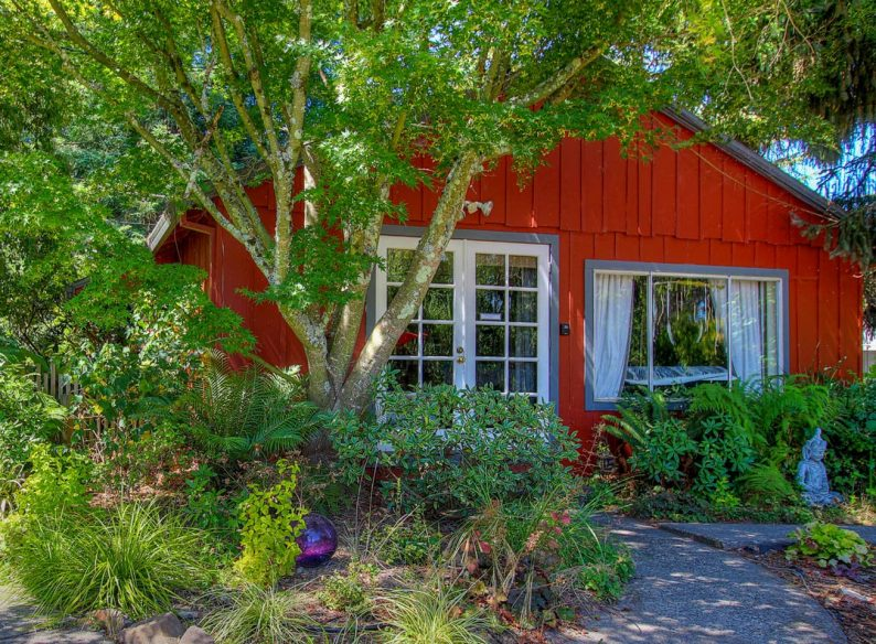 Large Cottage Near Sebastopol -Airbnb Sonoma
