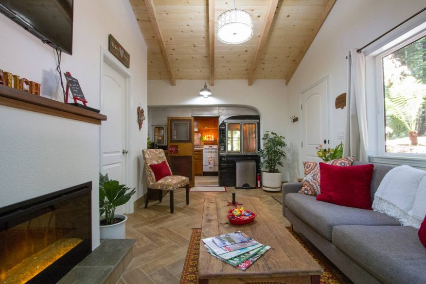 Modern Meets Retro in Redwoods - Airbnb Sonoma