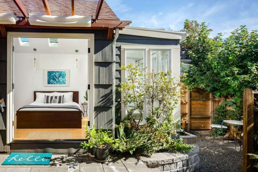 Sun-filled detached studio - Airbnb Portland