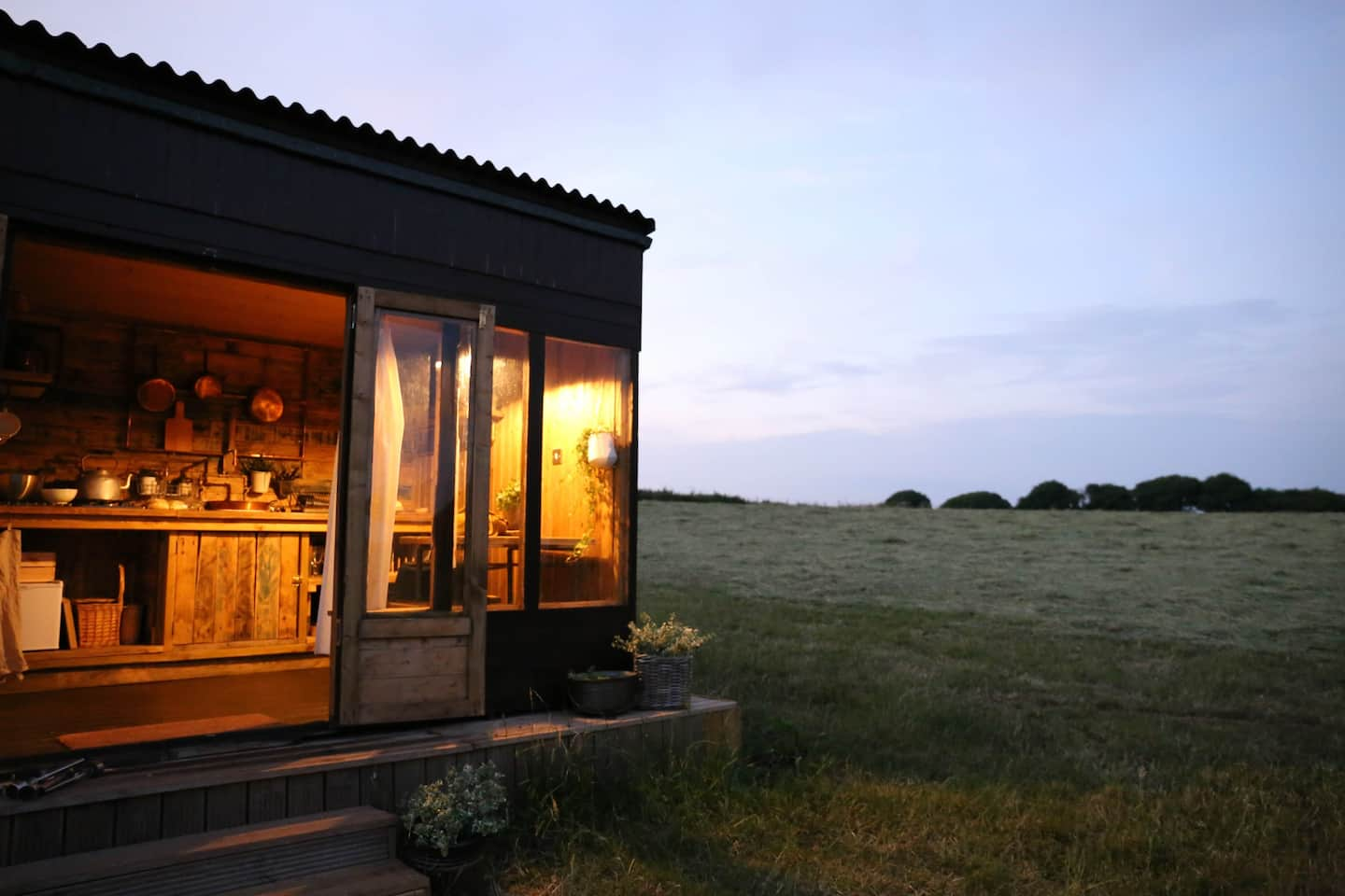 Best Airbnbs in Devon - Sweetside Shepherds Hit Airbnb